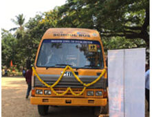 donation-of-bus-by-rotary-club-1